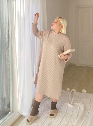 Chedel Ribbed Half-neck Split Long Dress