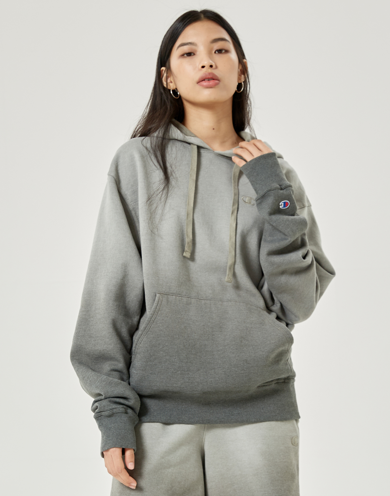 [US] Ombre Deep Die Hoodie - charcoal gray (CCKTS1E601CG)