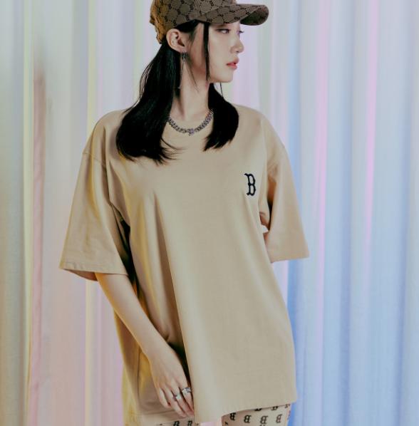 mlb-korea. Monogram Backlog Oversized Short Sleeve T-shirt Boston Red Sox | 3ATS02114-43BGS | MLB