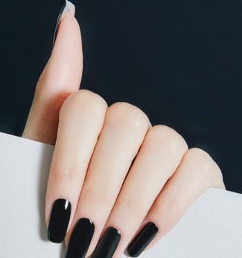 40.-Black-C