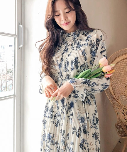 neck flower long Dress