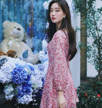 red-floral dress