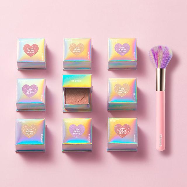 Love Beam Glow + Cheek Brush