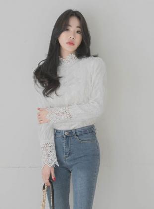 Frilly velvet blouse