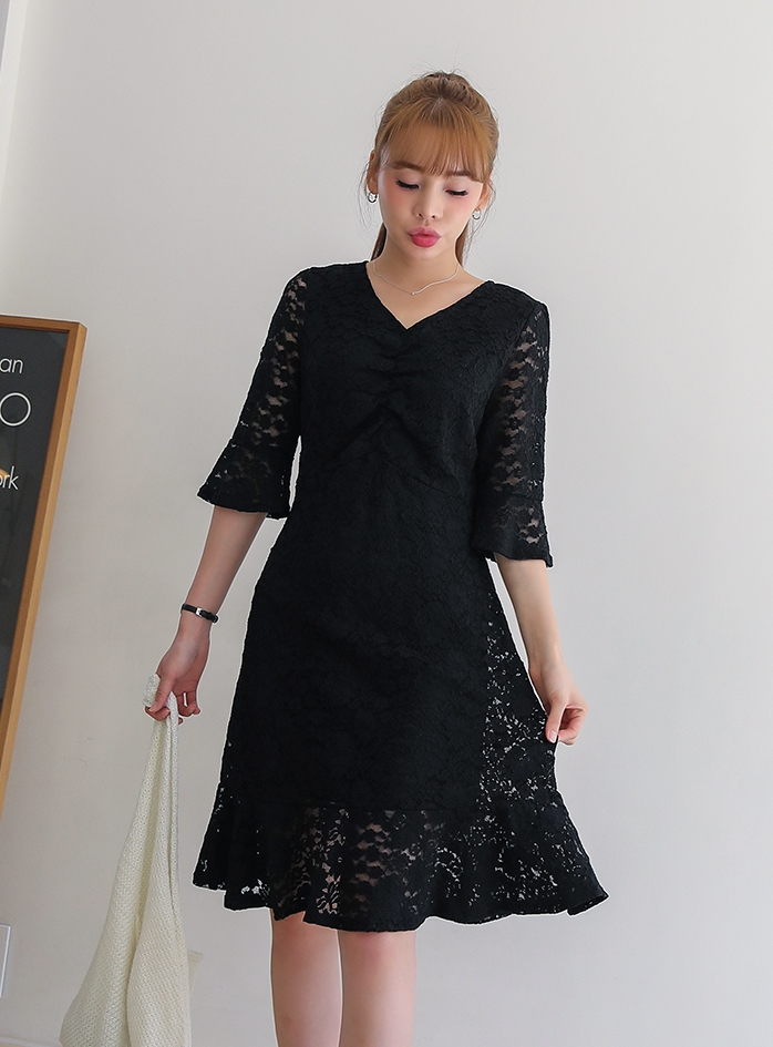 Daelby Lace Shirring Dress