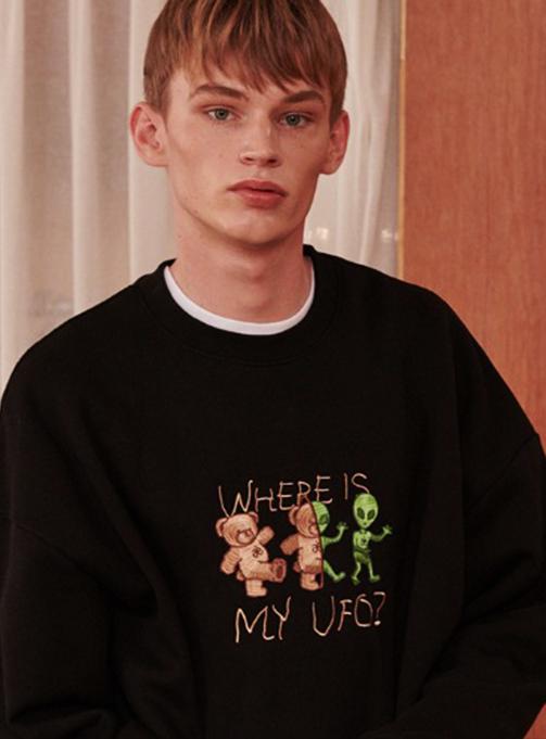 Ambler Where is my UFO Sweatshirt (AMM817_BLACK)