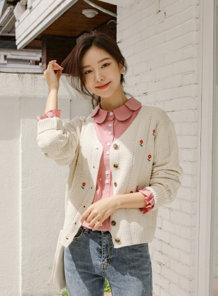 Conca V-neck Flower Embroidery Cardigan