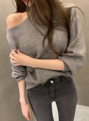 Slit Loose Fit Knit
